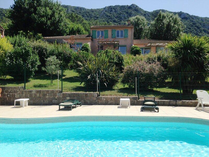 Gite CEBEROU face au Salagou, holiday rental in Cabrieres