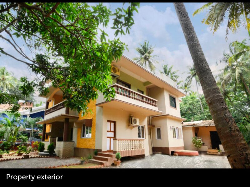 Rose Villa (Village Home Stay Close to Calangute Beach), vacation rental in Nagoa