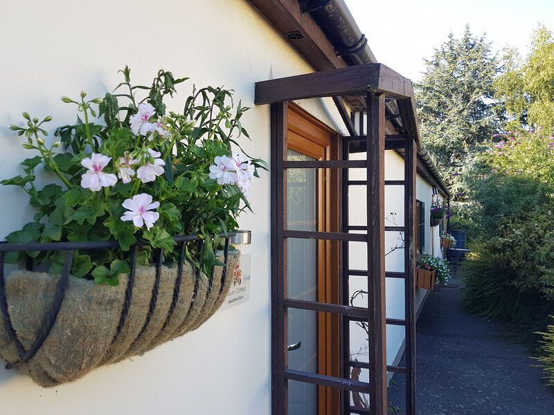 Rowan Cottage, 3 bedrooms/1 bathroom. Hawthorn Farm, Kent, vacation rental in Stourmouth