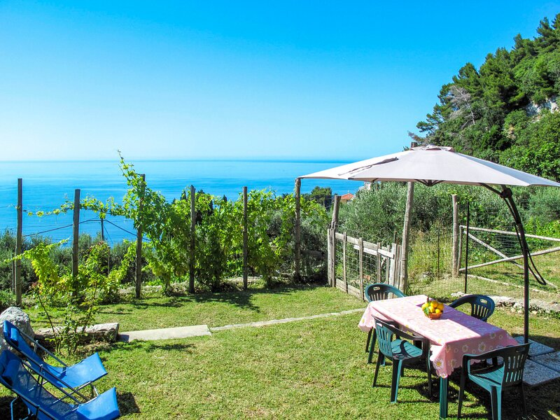 Taggiasca (FLG146), vacation rental in Finale Ligure