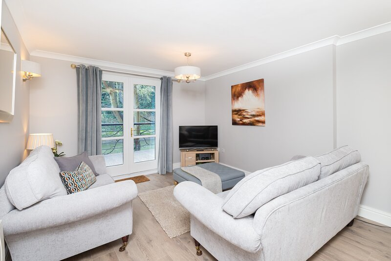 Durham Riverside Apartment - Kingsgate Bridge View, holiday rental in Chester Moor
