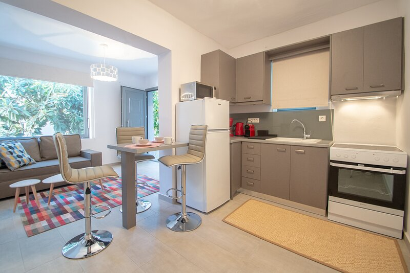 Ithaka Deluxe Home, vacation rental in Bochali