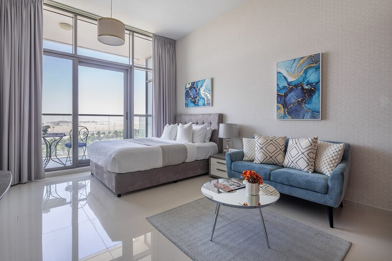 Bright and Spacious Studio in Damac Hills!, vacation rental in Hatta