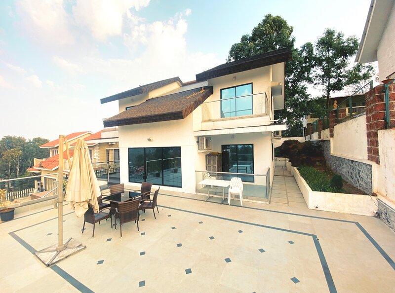 Ozone Villa, holiday rental in Wai