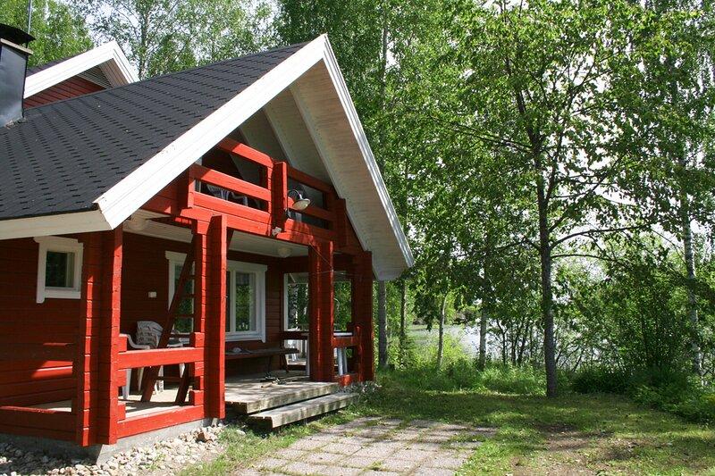 High-quality lakeside cottage, holiday rental in Kojanlahti