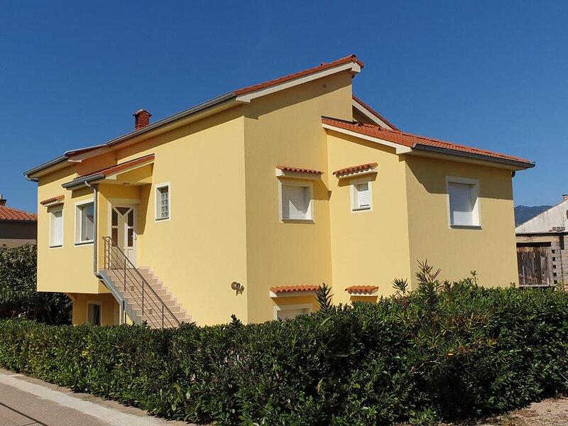 Three bedroom apartment Šilo, Krk (A-18705-b), holiday rental in Silo