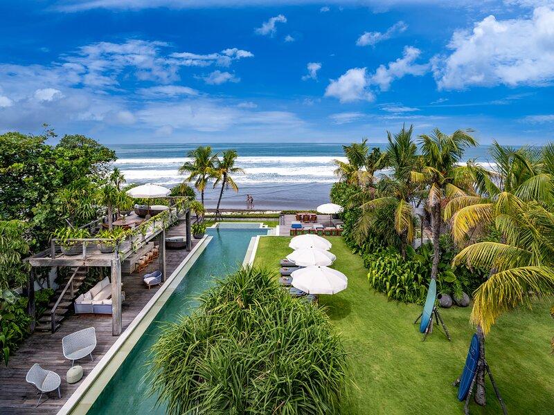 Noku Beach House - 27-metre infinity pool