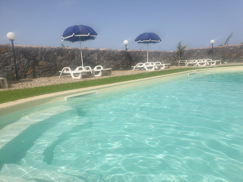 APPARTAMENTO CON VISTA ETNA, location de vacances à Aci Catena