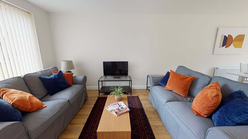 Contemporary and stylish three bedroom Oxford home, holiday rental in Chesterton