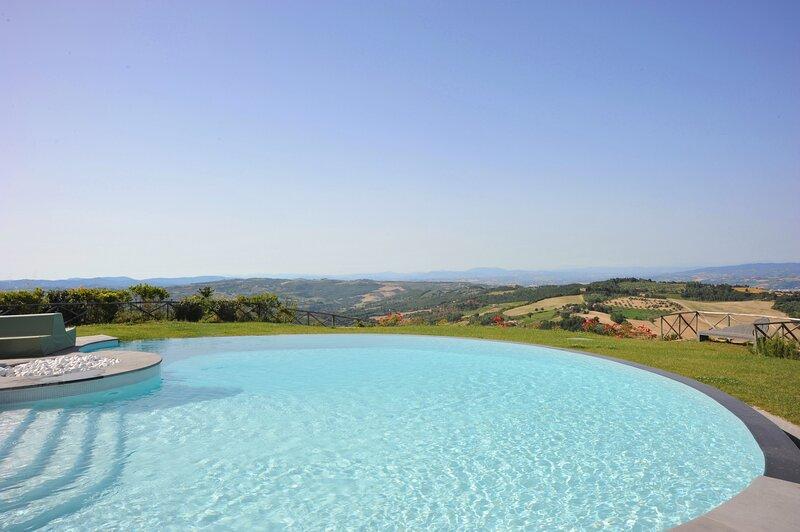 Luxury villa Althea, holiday rental in Quadro