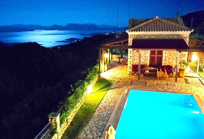 Executive Villa Scorpidi with private pool, vakantiewoning in Kolivata
