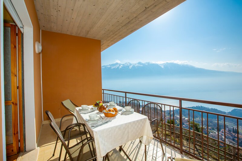 Residence Bellevue 10, holiday rental in Limone sul Garda