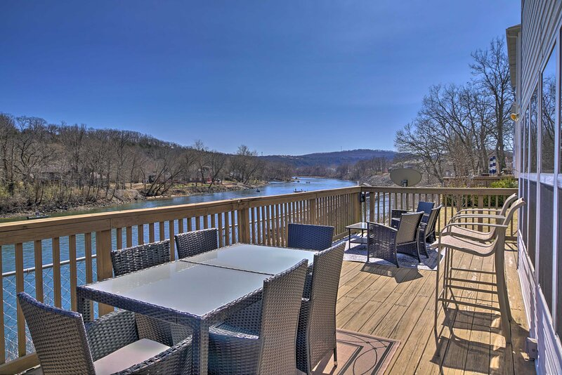 Modern Lakefront Condo w/ Porch & Dock Access, vacation rental in Point Lookout