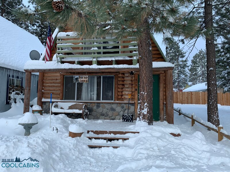 Snow covered Big Bear Cool Cabins, Bear Trap Cabin front