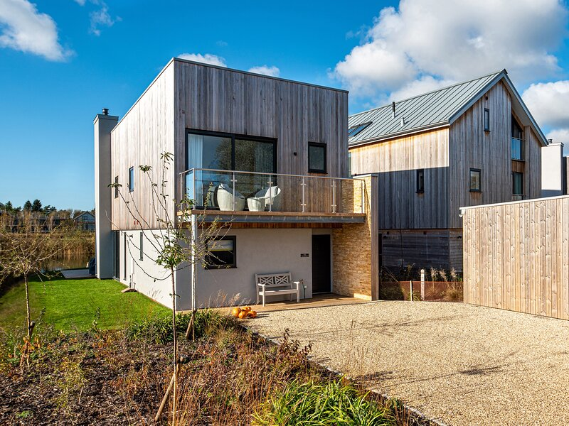 The Hangout, Cotswold Water Park, vacation rental in Kemble