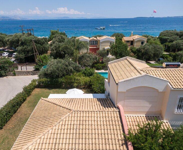 Alex Barbati Beach Apartment, holiday rental in Barbati