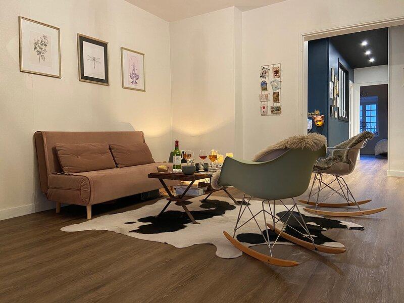 Spacieux appartement de 90m2 avec vue château et vue Loire, location de vacances à Breze