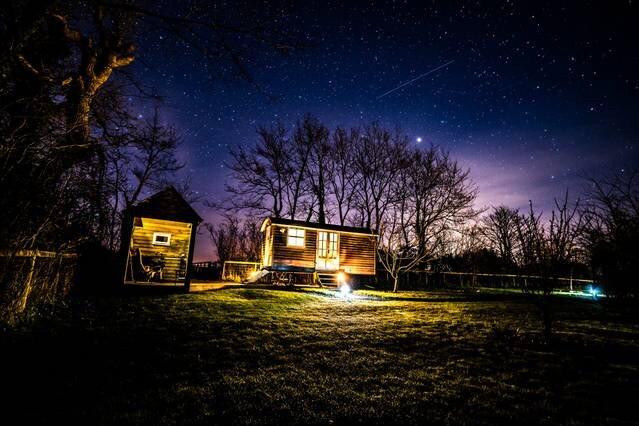 Shepherd's Hut, Romantic, Luxury retreat, location de vacances à Sageston