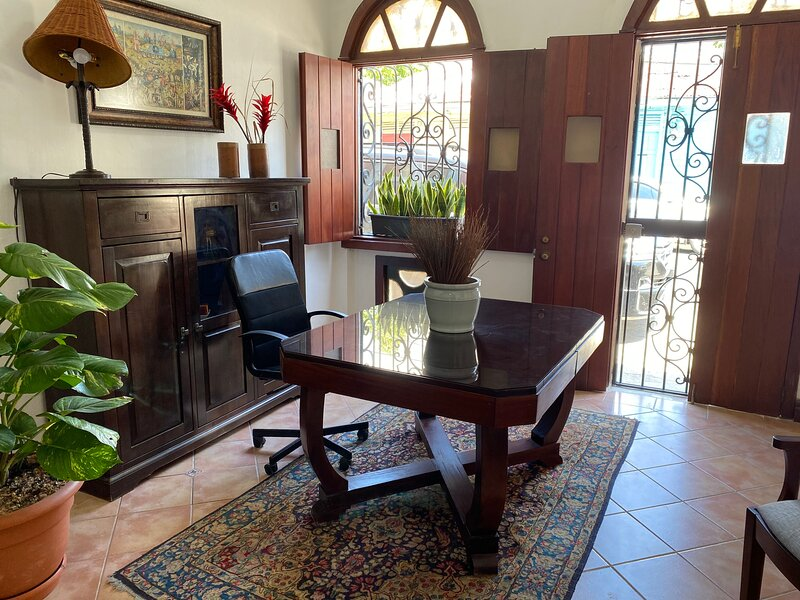 GRATA Colonial House 4 Bedrooms w/private bathroom, vakantiewoning in Dominicaanse Republiek