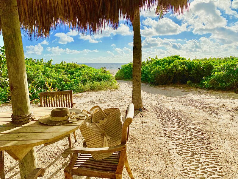 Blue Jasmine at Palm Beach Singer Island Resort & Spa #901, vacation rental in North Palm Beach