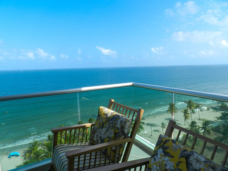 Deluxe Apartment Ocean View Coveñas, holiday rental in Sucre Department