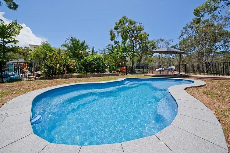 OffShore Holiday House on Acreage with Pool, holiday rental in Deepwater
