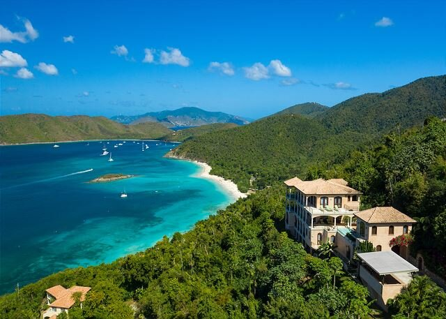 Limetree at Peter Bay: New Construction! Pool! North Shore Views!, alquiler vacacional en Jost Van Dyke