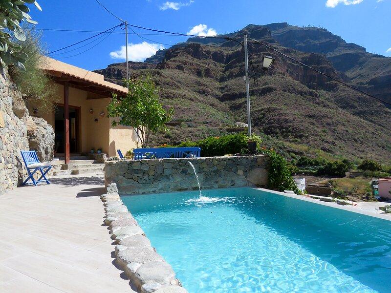 Casa con piscina privada, Cercados de Espino, holiday rental in Cercados de Espinos