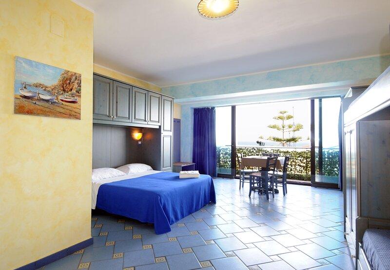 Monolocale a due passi dal mare, holiday rental in Orto Liuzzo