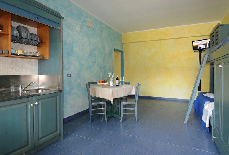 Trilocale a due passi dal mare, holiday rental in Orto Liuzzo