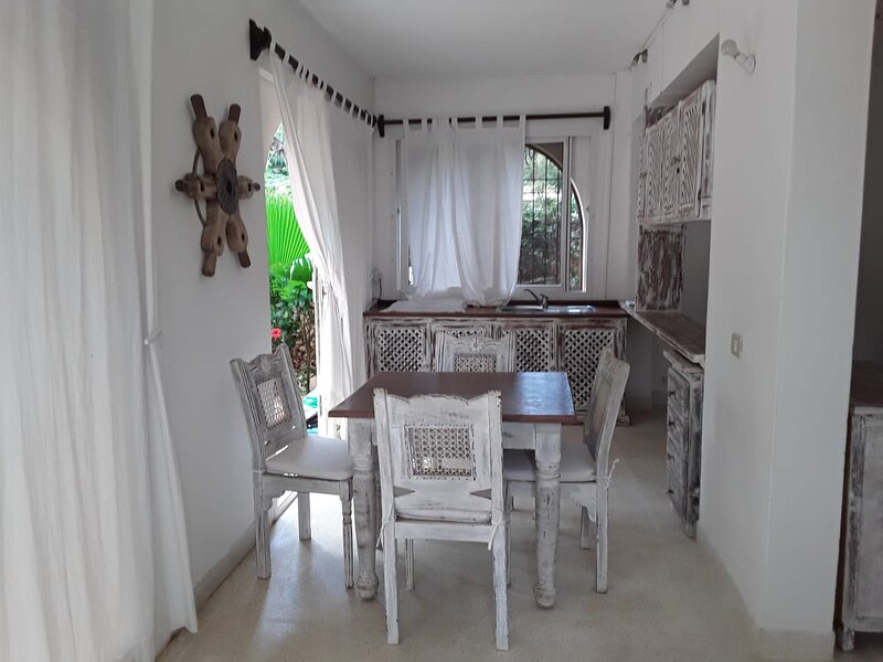 Le Pleiadi Apartment V1, holiday rental in Mambrui