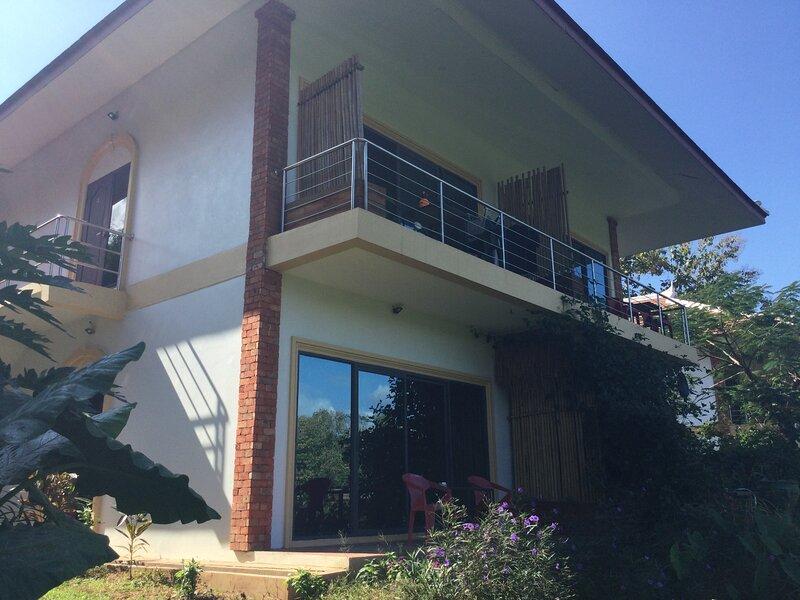 New apartment front Namkhan river at 10 minutes from the core of Luang prabang, alquiler de vacaciones en Luang Prabang