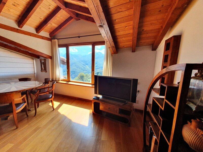 Mirando a Toranzo - Villa de lujo en Cantabria para 12 personas (6 hab), holiday rental in Ojedo