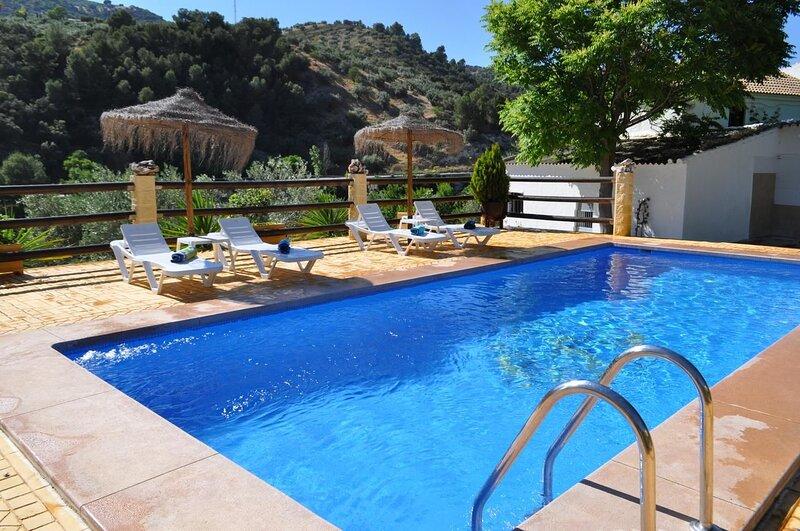 Big villa with swimming-pool & Wifi, holiday rental in Loja