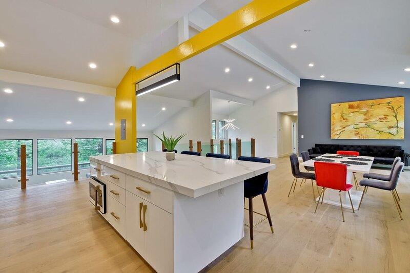 * Marbella Lane - LUXE! Lush Green Property | Ldry + P, holiday rental in Hayward