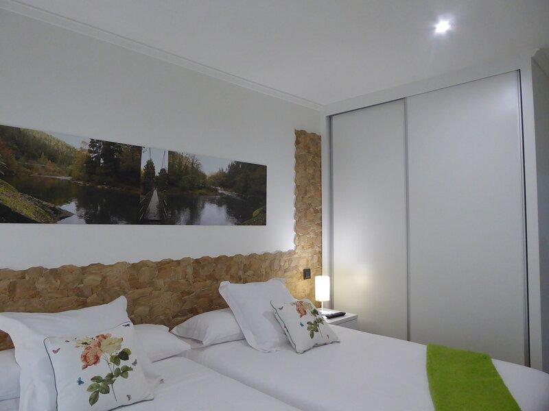Apartamentos junto al rio Asón 'Canto Encaramado', holiday rental in Noceco