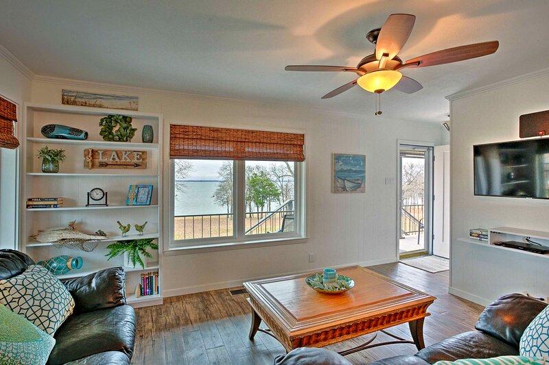 NEW! Pottsboro Condo w/ Lake Texoma Beach Access!, holiday rental in Mead
