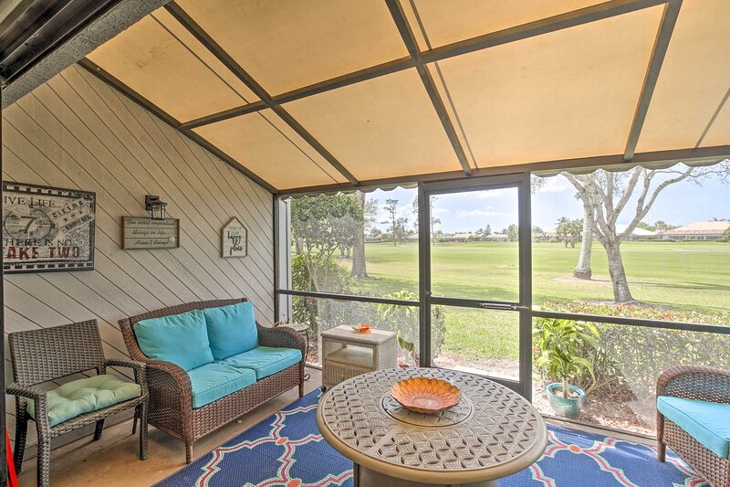 Screened-in Porch | Step-Free Access | Beach Chairs Provided | Cooler Provided