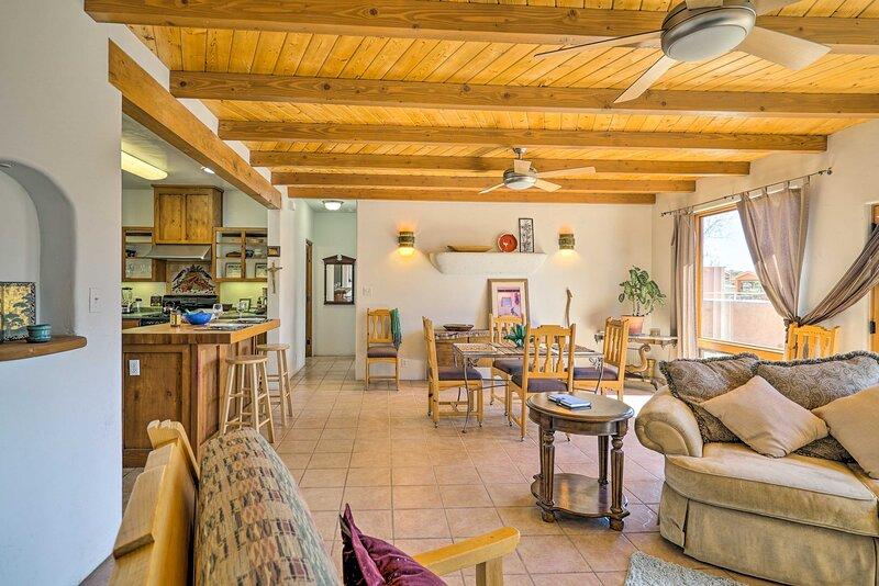 NEW! Adobe Home w/ Screened Patio - 3 Mi to NMSU!, holiday rental in Mesilla