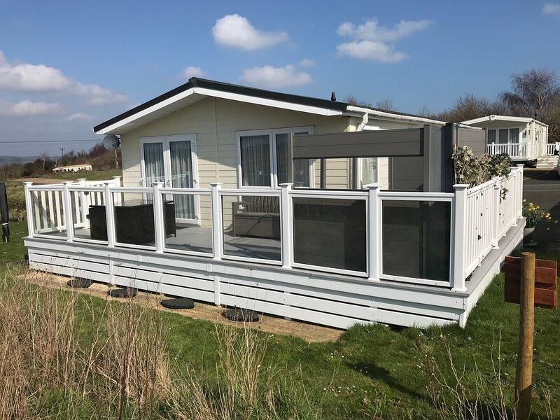 2 Bedroom Luxury Lodge, OG30 Lower Hyde, Shanklin, Isle of Wight, Ferienwohnung in Godshill