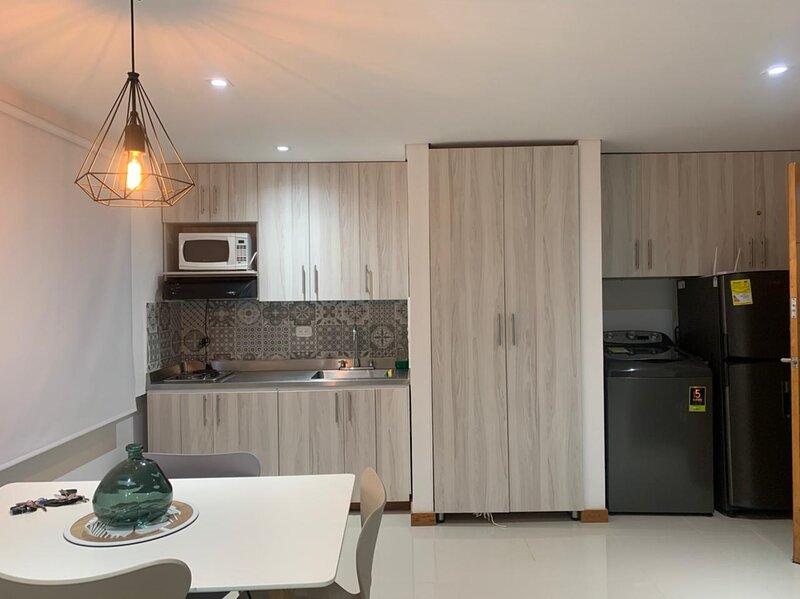 Apartamento central en Llanogrande - Rionegra, holiday rental in Rionegro