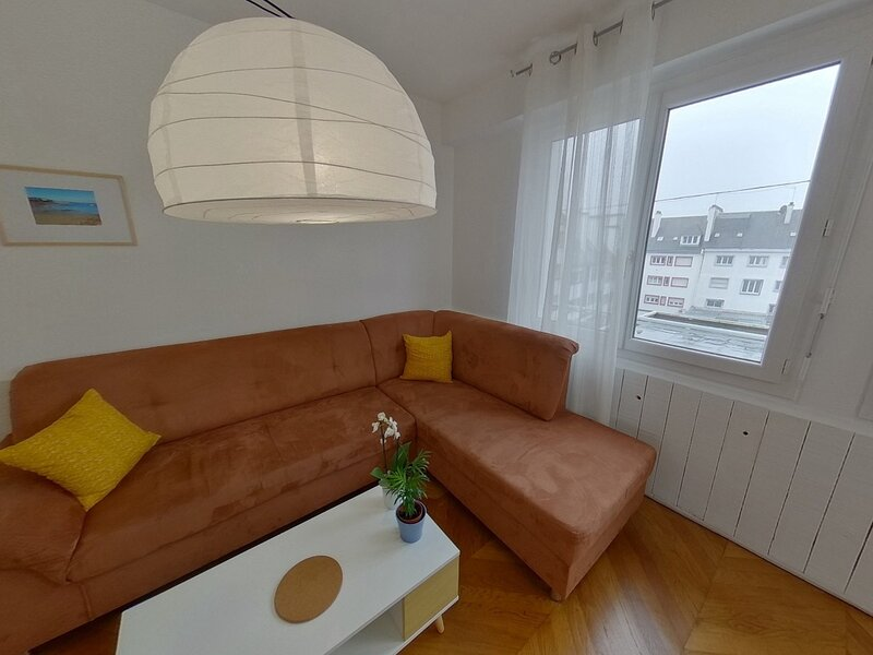 REF 409 - LORIENT APPARTEMENT TYPE 4 HYPER CENTRE, vacation rental in Lanester