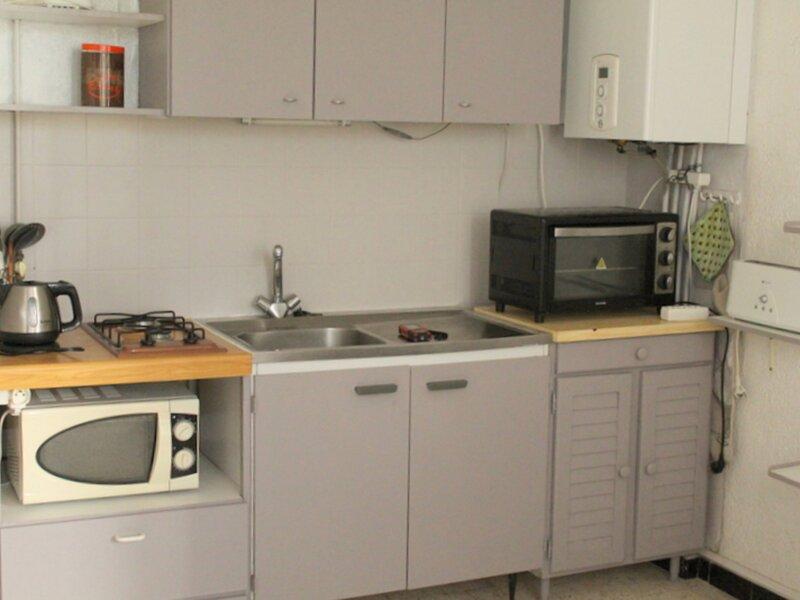 Joli studio bien équipé, holiday rental in Bouzigues