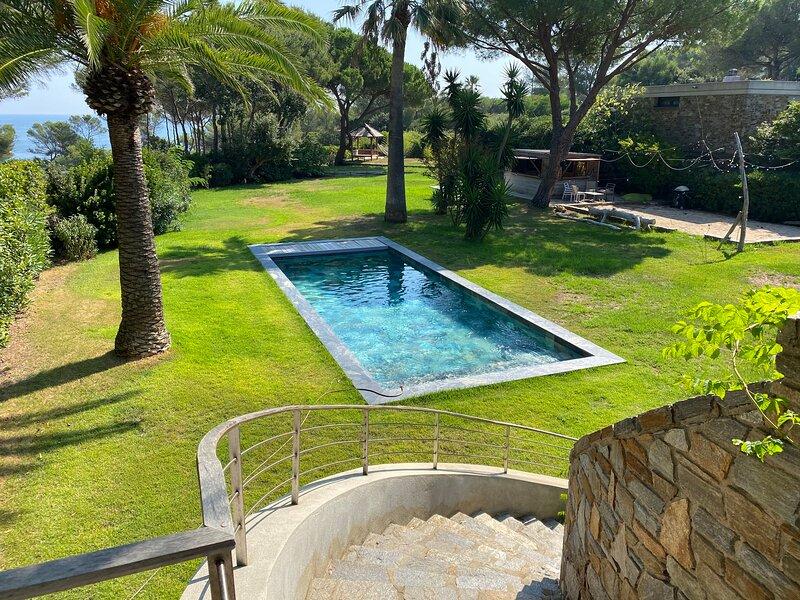 Grande Villa au Gaou Bénat - 14 couchages, location de vacances à Cap Benat