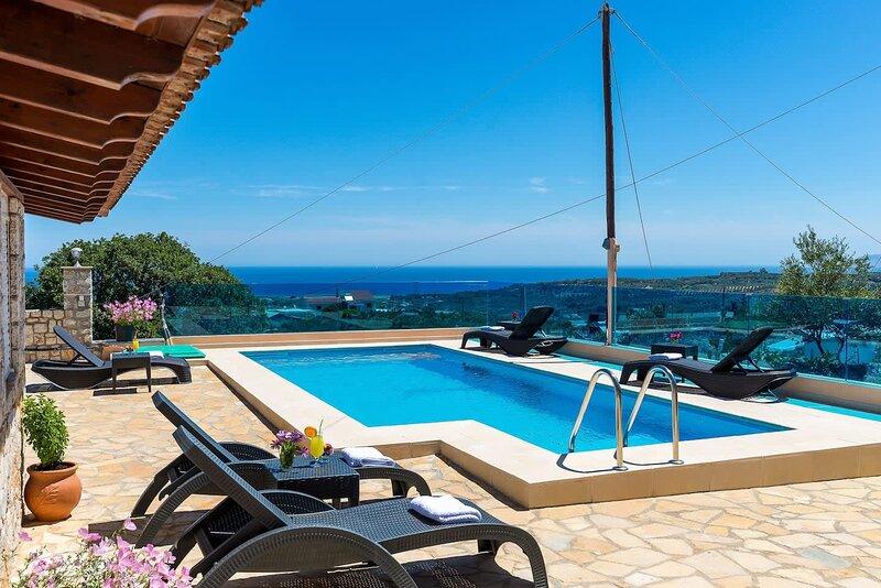 Chania Poolside Resort - Amazing Seaview Lodging, holiday rental in Sirili