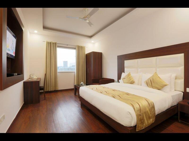Hotel Arch - Near Aerocity New Delhi, vacation rental in Mahipalpur