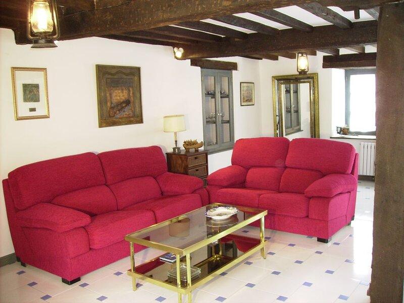 Casa el Amparuco- Treceno, vakantiewoning in Pejanda