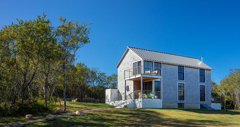 Newly Built, Award Winning, Modern Island Getaway, holiday rental in Block Island