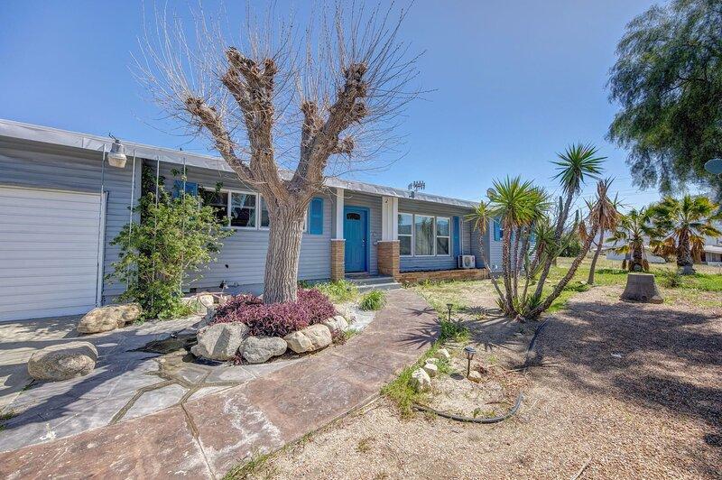 * Marbella Lane - 4BR Near Morongo Casino & Outlet | Ldry+P, holiday rental in San Jacinto