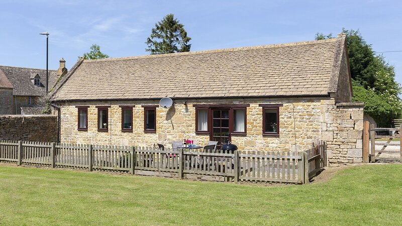 Milliner's Barn - A delightful Cotswold barn conversion, the ideal place to esca, vakantiewoning in Willersey